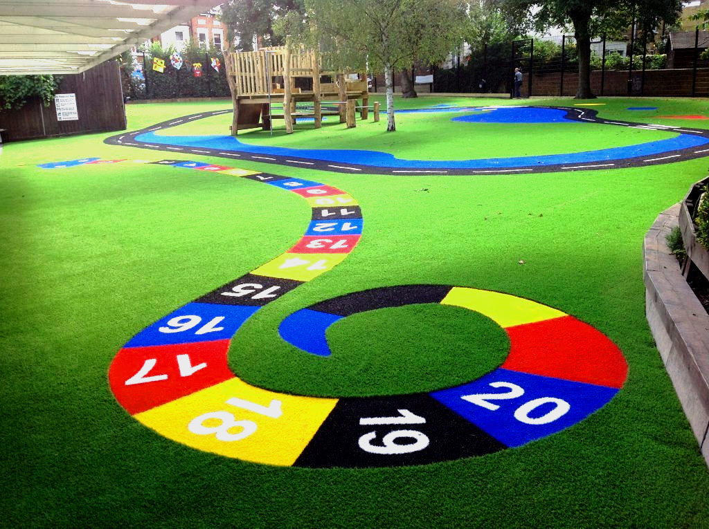 Matters needing attention in renovation of artificial grass in Kindergarten